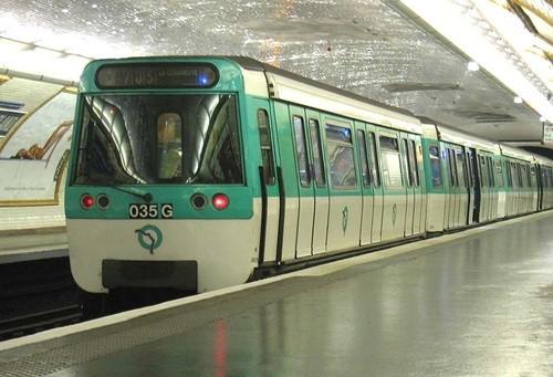 フランス 地下鉄 metro