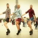 ハイヒールのキュートな男性達のダンスビデオが大人気♪